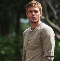 Alex Roe  #The5thWave