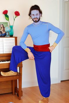 The Happy Plum: Family Aladdin Costume