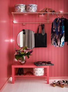 rosa,golv,färg,panel,färgglatt Surf Shack, Entryway Bench, Wardrobe Rack, Shoe Rack, Interior Design, Inspiration, Furniture, Panel, Home Decor