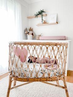 Baby Girl Nursery Decor, Nursery Room Decor, Nursery Ideas, Cot Bedding Sets, Baby Room Neutral, Baby Room Design, Bassinet Ideas, Baby Cots, Cot Sheets