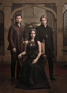 'Reign' premiere first look photos: Mary's royal love triangle – Zap2It