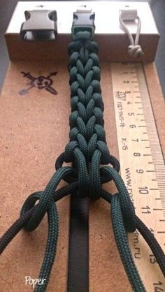 Rig for braiding paracord Photo on The Cedrus Paracord Braids, Paracord Knots, Rope Knots, Macrame Knots, Paracord Bracelets, Paracord Keychain, Paracord Tutorial, Bracelet Tutorial, Paracord Projects