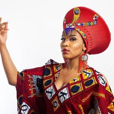 The Isicholo (Zulu Hat) is a true work of art! A lot of love, good wishes and prayers are woven into the fabric used to make this hat. This is a special gift from . The Isicholo hat is meticulously hand woven with the finest thread fit for a queen and African Hats, African Attire, African Fashion Dresses, African Women, African Dress, African Fashion Traditional, African Traditional Wedding, Traditional Weddings, Bandanas