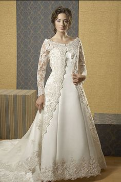 very beutiful wedding dress Wedding Dresses Plus Size, Modest Wedding Dresses, Plus Size Wedding, Bridal Dresses, Gorgeous Wedding Dress, Boho Wedding Dress, Wedding Gowns, Medieval Fashion, Medieval Dress
