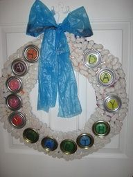 This is a guide about recycled wreath ideas. Using recycled items, you can make wreaths for all your special occasion decorating needs. Christmas Wreaths To Make, Holiday Wreaths, How To Make Wreaths, Christmas Projects, Holiday Fun, Art Activities For Kids, Art For Kids, Flip Flop Wreaths, Earth Day Crafts