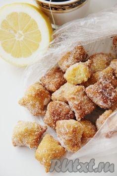 """Печенье """"Лимонные подушечки"""" очень воздушное, ароматное и вкусное. Не только взрослые, но и дети будут в восторге от данной выпечки. Лимонные подушечки очень напоминают воздушные хрустики, только с ароматными вкусовыми нотками лимона. Готовится это печенье на сковороде. Попробуйте и вам ..."""