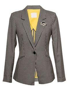 Dramatic Lapel With Pockets Houndstooth Blazers Blazers from fashionmia.com