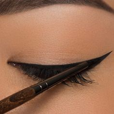 Eyeliner für die Ziehungen Tutorials + Tipps - Make Up Makeup Brushes, Eye Makeup, Beauty Makeup, Makeup Tips, Hair Makeup, Beauty Kit, Beauty Hacks, Make Up Tutorial Contouring, Make Up Palette