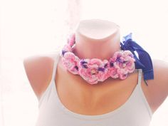 Crochet flowered lariat by redrosewholesaler on Etsy #etsy #etsyfinds #etsygifts #etsyfashion