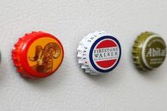 Créez de jolis aimants décoratifs avec...   Des bouchons de bouteilles de bière !