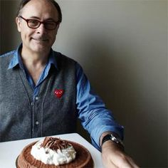 Recette de Jean-Paul Hévin, chef pâtissier et chocolatier.Allumer le four à 180°C (th. 6).