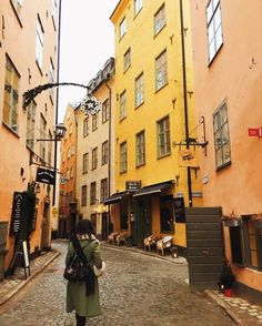 get ready for one of those loooooong full of details travel posts i love putting together! this time we have stockholm to explore, what we ate, where we shopped, and drank, and the sights we saw. visi