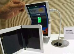 We'll see your flip phone and raise you these flexible phone screens