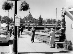 #ThrowbackThursday – Getting your photo taken at the Inner Harbour has always been a must-do when visiting Victoria.