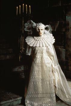 Sadie Frost as Lucy in Bram Stoker's Dracula, 1992