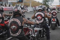 Head Hunter, Biker Clubs, Red And White, Black, Cut And Color, Hunters, New Zealand, Monster Trucks, Colours