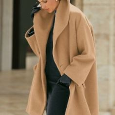 Cashmere swing coat O my! I want this coat! Fashion Moda, Look Fashion, Timeless Fashion, Womens Fashion, Fall Fashion, Looks Style, Style Me, How To Have Style, Quoi Porter