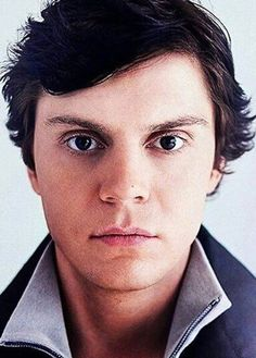 Just in the mood for a perfect Evan Peters Close-Up! Follow rickysturn/evan-peters