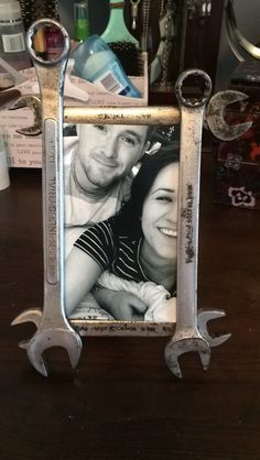 Homemade wrench frame for your handyman #wrenchframe #DIY #homemade #boyfriend #birthdaygift #giftsforhim #wrench #frames