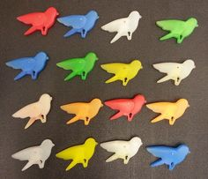 16 VINTAGE BIRD CLOTHES PINS - BLUE, GREEN, WHITE, RED, YELLOW, ORANGE