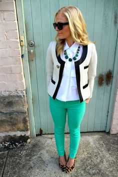 Various Ideas for Combining Your Colored Jeans
