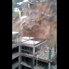 Natural Phenomena, Natural Disasters, Wow Video, Funny Short Videos, Planet Earth, Nature Pictures, Amazing Nature, Picture Video, Fun Facts