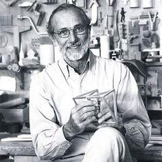 Renzo Piano nasce a Genova il 14 Settembre 1937 da una famiglia di imprenditori edili. Dopo la maturità classica frequenta la facoltà di architettura di Firenze e Milano. Laureato nel 1964 ha la po…