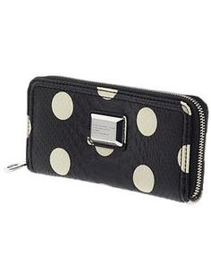 marc by marc jacobs wallet = want it!