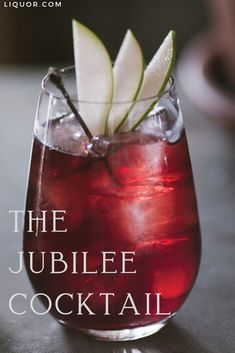 Made with vodka red wine and spiced pear liqueur the Jubilee is the perfect drink to serve at your Christmas party. But we're warning you: It's hard to drink only one of this festive cocktail! New Years Cocktails, Festive Cocktails, Christmas Cocktails, Christmas Wine, Holiday Drinks, Classic Cocktails, Vodka Red, Pear Vodka, Pear Liqueur
