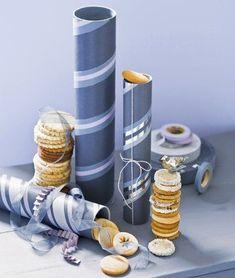 Des boîtes à biscuits comme des tubes / Tubes and packages presents: