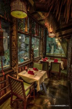 Mai-Kai: History & Mystery of the Iconic Tiki Restaurant - the book is out! - Retro Renovation mystery Mai-Kai: History & Mystery of the Iconic Tiki Restaurant - the book is out! Tiki Restaurant, Restaurant Design, Motif Tropical, Tropical Decor, Tiki Art, Tiki Tiki, Tiki Hawaii, Hawaiian Tiki, Tiki Bar Decor