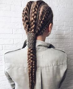 - Braids are not only a gorgeous way to style your hair but, it also is entirely beneficial to length - Dread Hairstyles, Pretty Hairstyles, Braided Hairstyles, Perfect Hairstyle, Hairstyle Short, Curly Hair Styles, Natural Hair Styles, Viking Hair, Runway Hair