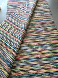 Vantaan Kutojat ry Recycled Fabric, Woven Rug, Feng Shui, Weaving, Blanket, Rugs, Board, Farmhouse Rugs, Hand Crafts