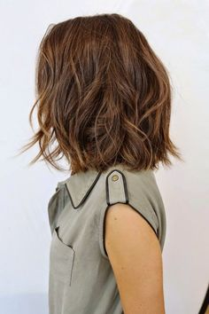 Long Bob Hairstyles for Thick Hair 2019 - lifestyle trends mädchenfrisuren ideen mittellanges haar wellig - Frauen Haare Style Medium Hair Styles, Curly Hair Styles, Short Styles, Brown Bob Hair, 2015 Hairstyles, Girl Hairstyles, Wedding Hairstyles, Trendy Hairstyles, Brown Hairstyles