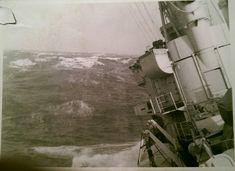jager in slecht weer Tin Can Sailors, Marine News, Royal Dutch, Navy Marine, Seafarer, Marines, Holland, Boats, Ships