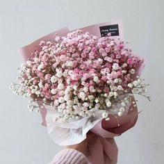 Uploaded by Find images and videos about beautiful, pretty and pink on We Heart It - the app to get lost in what you love. Boquette Flowers, Bunch Of Flowers, Dried Flowers, Planting Flowers, Floral Bouquets, Wedding Bouquets, Wedding Flowers, Amazing Flowers, Beautiful Flowers