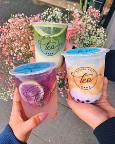"""So matcha love"", ""Honey, I'm Home"" & ""a taro-bly bad name"" bubble teas 🌸 from 🌺 . Bubble Tea, Bebida Boba, Summer Drinks, Fun Drinks, Boba Drink, Cute Water Bottles, Cute Desserts, Starbucks Drinks, Food Goals"