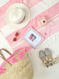 Beach Pink, Pink Summer, Summer Of Love, Beach Day, Summer Beach, Summer Vibes, Summer Colors, Summer Goals, Enjoy Summer