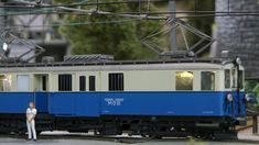 Modelleisenbahn GoldenPass Panoramic in Spur Train, Lucerne, Model Train, Strollers