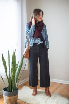Ever since the rise of the Kamm Pants, wide leg pants have been cropping up everywhere. At least that's my take on how it's all gone down. A few seasons back culottes were all the rage, but those have slipped from the scene to be replaced with a slightly more structured silhouette: the wide leg crop. I think it's risen in popularity because it's such a flattering shape. If done right, it creates an instant hour glass shape on almost anyone who wears it. Think of wide leg crops as the a-line…