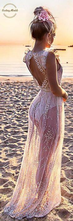 Beautiful Dress from @hellomollyfashion // Fashion Look by Hilde Osland