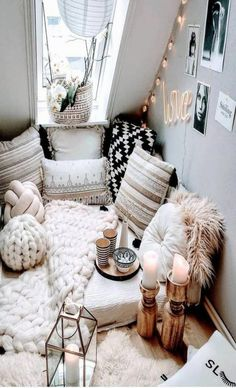 Romantic Bedroom Decor Ideas to Make Your Home More Stylish on a Budget - The Trending House Cute Bedroom Ideas, Cute Room Decor, Room Ideas Bedroom, Bedroom Decor, Bedroom Bed, Master Bedroom, Bed Room, Nature Bedroom, Tapestry Bedroom