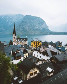 Classic Hallstatt goodness! Photo by @freelander__ Share your stor