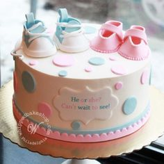 A super cute gender reveal cake with baby shoes and polka dots. Perfect for a Philadelphia gender reveal party. Baby Cakes, Baby Reveal Cakes, Baby Gender Reveal Party, Gender Party, Cupcake Cakes, Cupcakes, Gender Reveal Cakes, Tortas Baby Shower Niña, Gateau Baby Shower