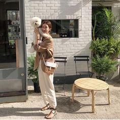 In Fashion Women S Watches Korea Fashion, Japan Fashion, Fashion Images, Fashion Photo, Aesthetic Fashion, Beige Aesthetic, Asian Style, Korean Style, French Chic