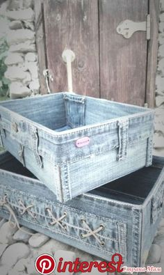 bottle crafts home Upcycled Crafts, Diy Home Crafts, Repurposed, Artisanats Denim, Denim Skirt, Denim Decor, Jean Crafts, Diy Crafts Jeans, Denim Ideas