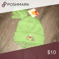 Green winnie the pooh Toddler hat&gloves NEW Toddler hat & gloves! Winnie the Pooh Accessories Hats