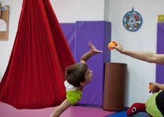 Niño en terapia sensorial                                                                                                                                                                                 Más