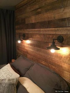 4 Stunning DIY Pallet Wall Ideas For Your Home DIY Pallet Wall Idea for Bedroom/As a Headboard This looks so cozy. Love the warmth of the wood back board/wall. The post 4 Stunning DIY Pallet Wall Ideas For Your Home appeared first on Pallet ideas. Rustic Light Fixtures, Rustic Lighting, Lighting Ideas, Lighting Concepts, Farmhouse Lighting, Diy Pallet Wall, Pallet Walls, Pallet Wall Bedroom, Master Bedroom Wood Wall