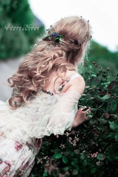 WISPY wanderer hippie flowers ethereal lace floral curly hair wreath of flowers daisy chains hair perfection